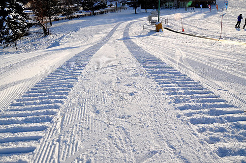 snow tires tracks