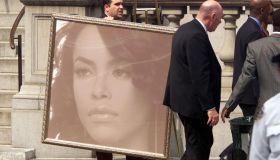Portrait Aaliyah's funeral