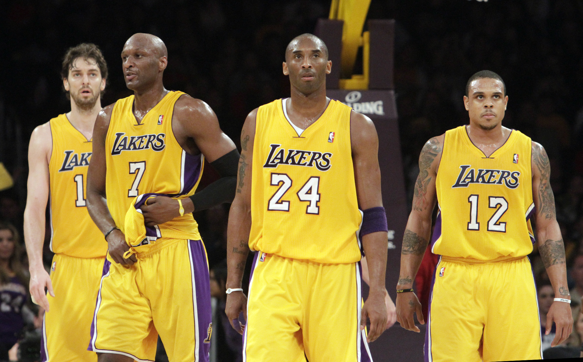 Lakers' (l to r) Pau Gasol, Lamar Odom, Kobe Bryant and Shannon Brown during the game. LA Lakers vs